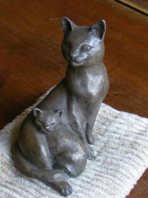 Cat with kitten on cushion sculpture in Bronze resin