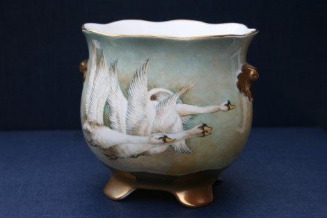 Flying Swans Fluted Planter